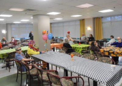 Fête à notre foyer pour aînés à Montréal - Résidence Alexis-Nihon (Résidence à Ville St-Laurent)