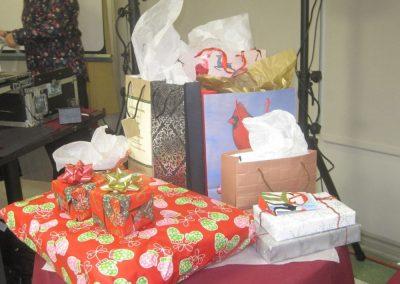 Cadeaux à fête à notre foyer pour aînés à Montréal - Résidence Alexis-Nihon (Résidence à Ville St-Laurent)