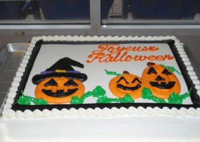 Gâteau d'Halloween à notre résidence personnes âgées Alexis-Nihon (Résidence à St-Laurent)