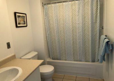 salle de bain à Ville Saint-Laurent à Montréal - Résidence Alexis-Nihon Résidence pour personne âgée à ville Saint-Laurent